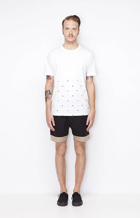 Ucon Acrobatics – bílé pánské tričko, šerné pánské šortky – oblečení jaro/léto 2015