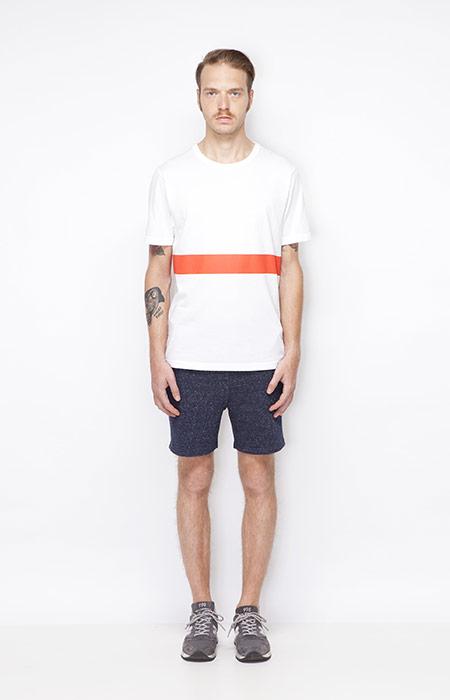 Ucon Acrobatics – pánské bílé tričko s oranžovým pruhem, modré pánské šortky – oblečení jaro/léto 2015