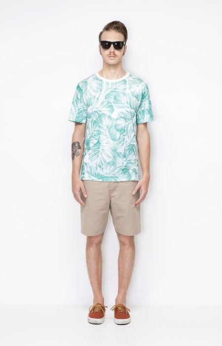Ucon Acrobatics – pánské bílé tričko se zeleným potiskem – Monstera, pánské khaki šortky – oblečení jaro/léto 2015