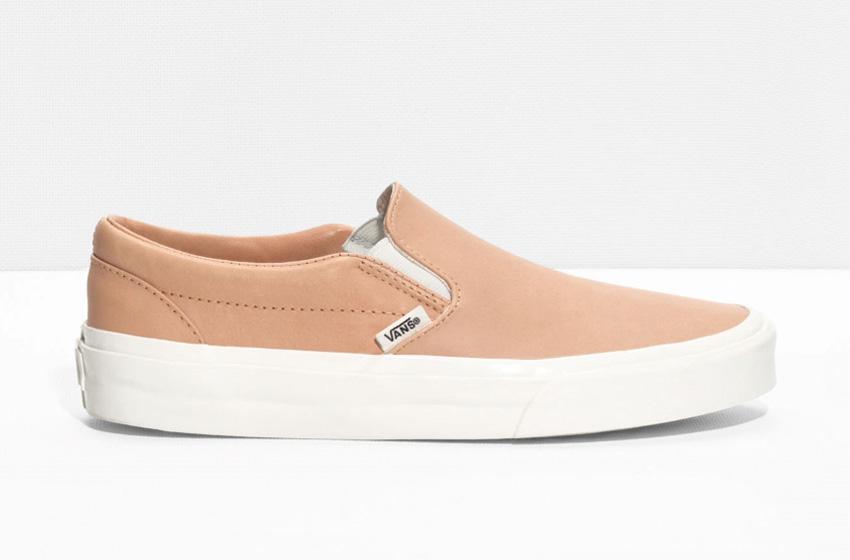 & Other Stories x Vans Slip-On – světle hnědé kožené boty, tenisky bez tkaniček, sneakers