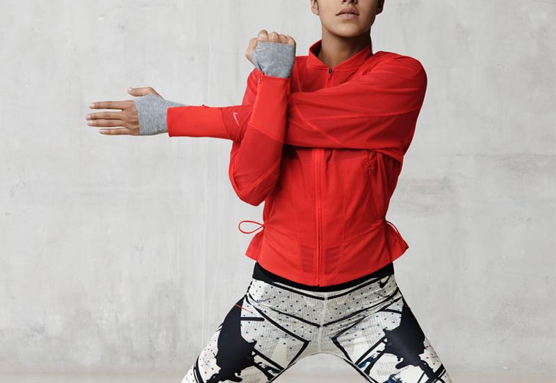 NikeLab x JFS — červená sportovní dámská bunda — dámské letní sportovní oblečení