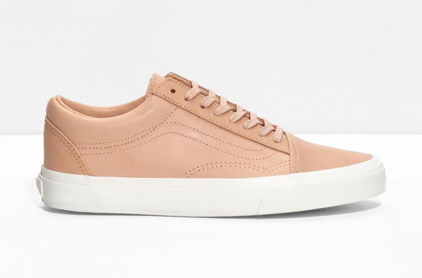 & Other Stories x Vans Slip-On – bílé kožené boty – vzor dalmatin, tenisky bez tkaniček, sneakers