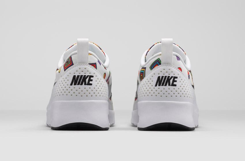 Nike Air Max Thea Liberty Merlin — dámské bílé boty se vzorem, sneakers, tenisky, zadní pohled