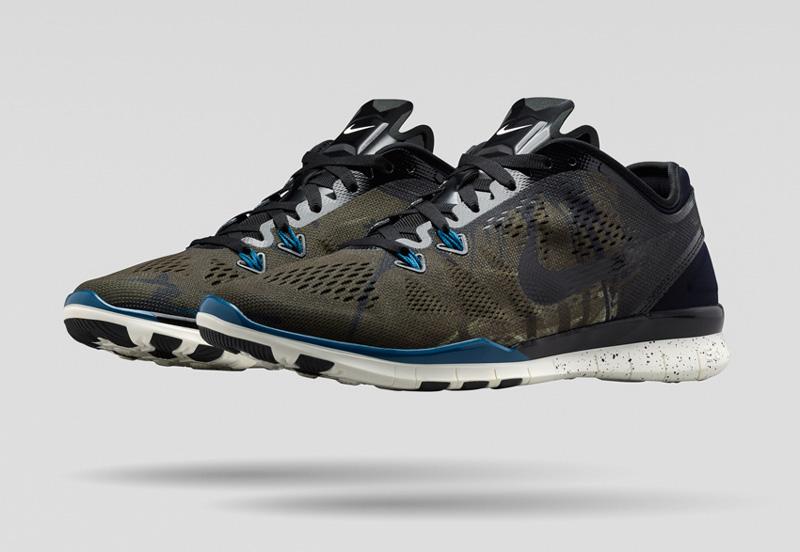 NikeLab x JFS — sportovní běžecké boty TR5, šedo-zelené, modré detaily — dámské letní sportovní oblečení