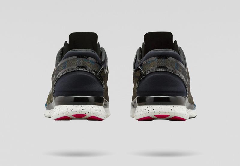 NikeLab x JFS — sportovní běžecké boty TR5, šedo-zelené, modré detaily, zadní pohled — dámské letní sportovní oblečení