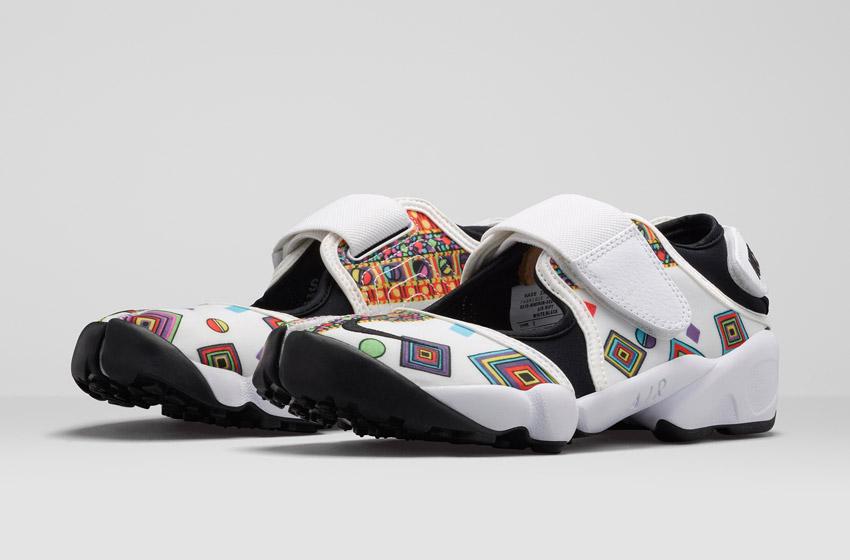 Nike Air Rift Liberty Merlin — dámské bílé sportovní sandály se vzorem