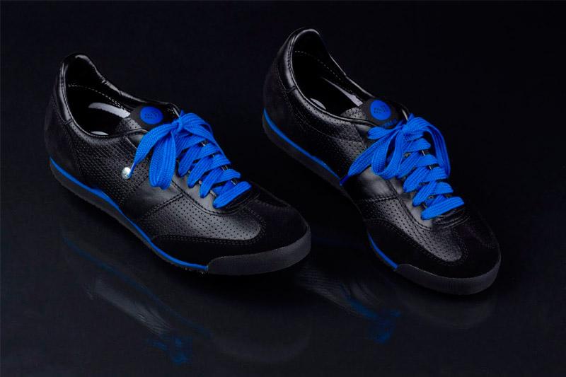 Botas 66 — Classic — Night Rain — retro tenisky, černé boty, modré tkaničky, dámské a pánské