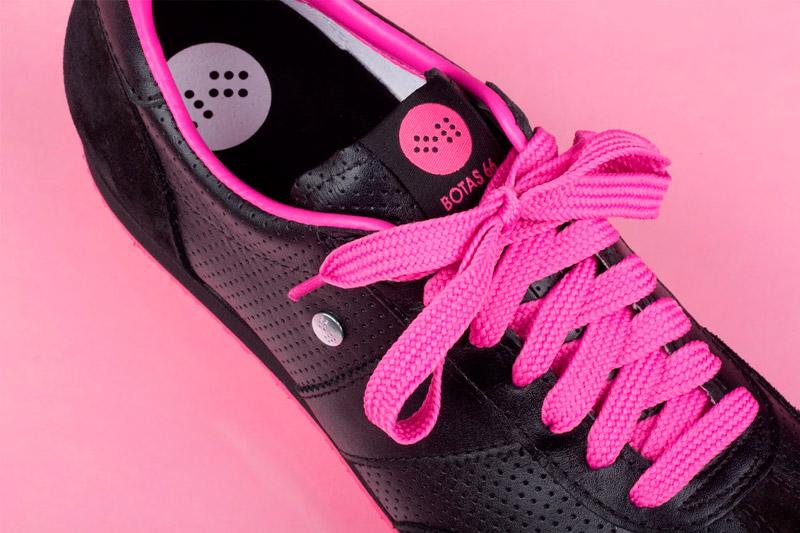 Botas 66 — Classic — Emo Demo — dámské kožené boty, černé retro tenisky, růžová podrážka, růžové tkaničky