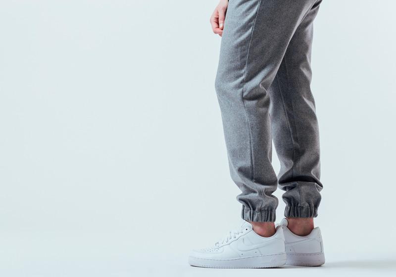 Unyforme — tepláky, joggers, kalhoty s gumou v nohavicích — pánské trendy oblečení – jaro 2015