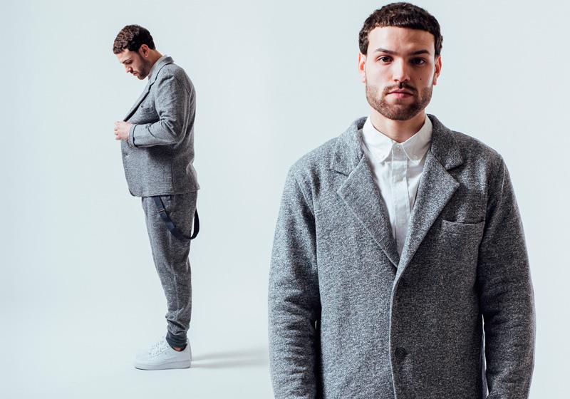 Unyforme — šedý kabátek do pasu, šedé tepláky, kalhoty joggers s náplety — pánské trendy oblečení – jaro 2015