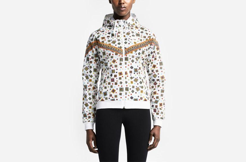 Nike Windrunner Liberty Merlin — dámská sportovní bunda s kapucí, bílá, se vzorem