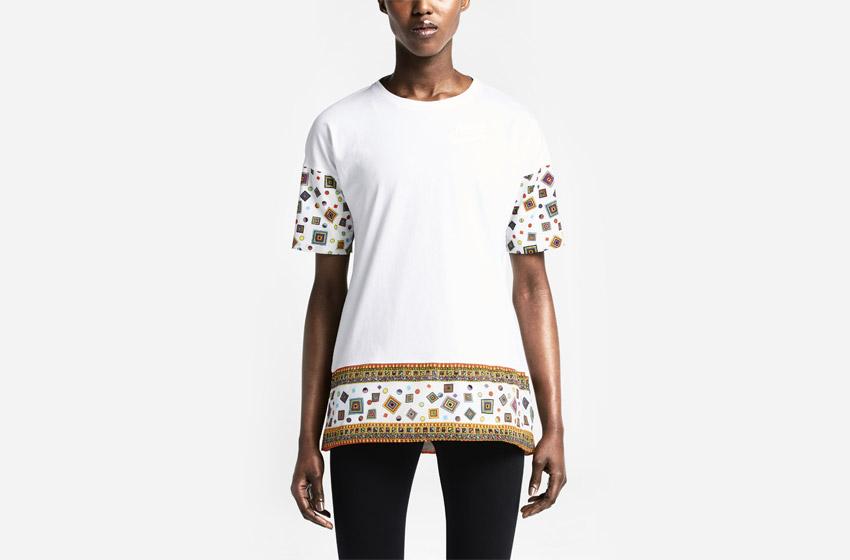 Nike Women's T-shirt Liberty Merlin — dámské bílé tričko se vzorem