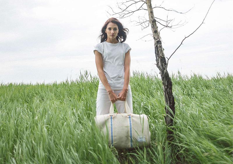 Herschel Supply — cestovní taška Novel Duffle, bílá, smetanová barva — lookbook léto/summer 2015