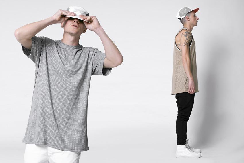Lakenzie – šedé tričko s perforací, světle hnědý nátělník (tílko) – oblečení jaro/léto 2015