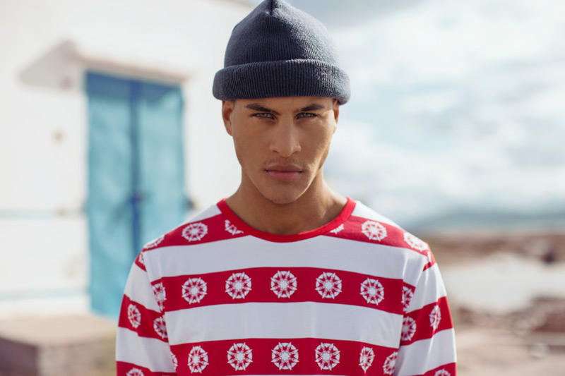 Daily Paper – červeno-bílé pánské tričko s pruhy a symboly – trendy oblečení jaro/léto 2015
