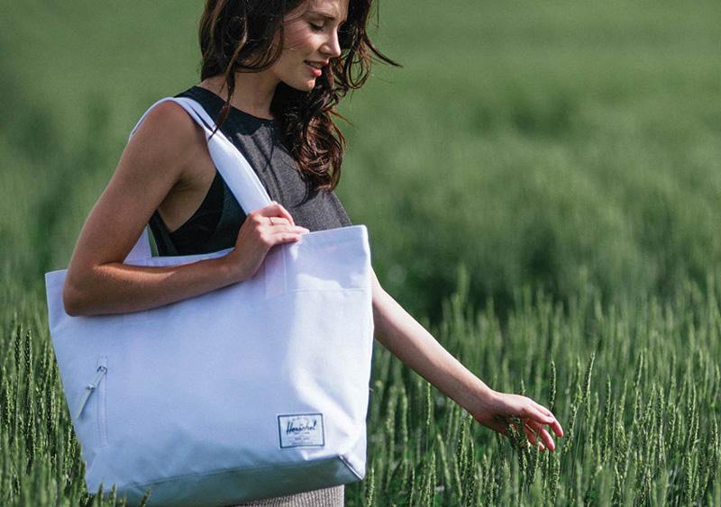 Herschel Supply — dámská taška přes rameno Alexander Tote, bílá — lookbook léto/summer 2015