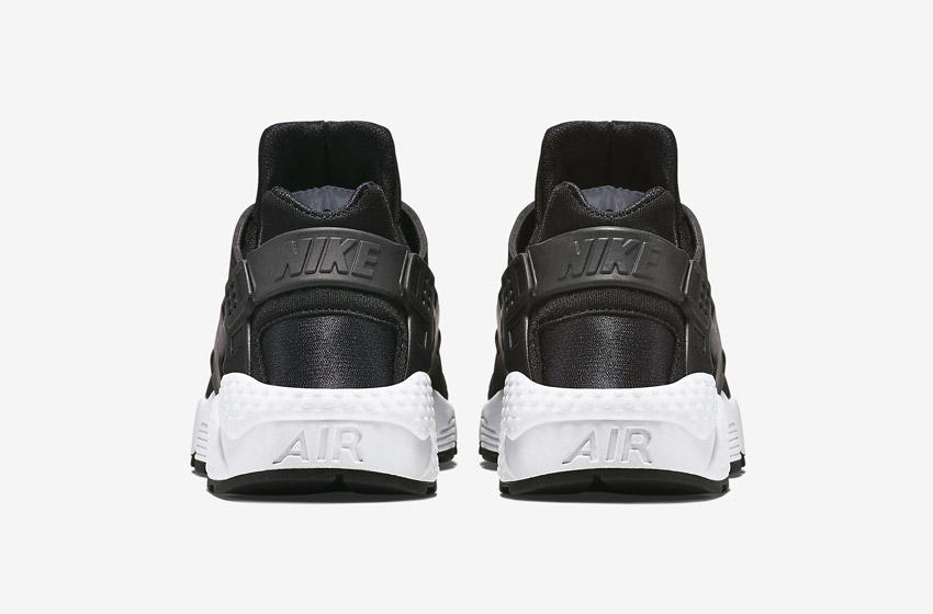 Nike Air Huarache – černé, zadní pohled