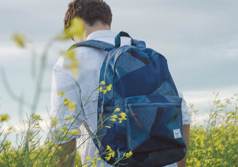 Herschel Supply — modrý batoh na záda Settlement Backpack — lookbook léto/summer 2015