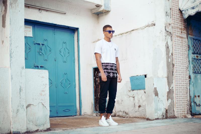 Daily Paper – pánské černobílé tričko s marockými symboly – trendy oblečení jaro/léto 2015