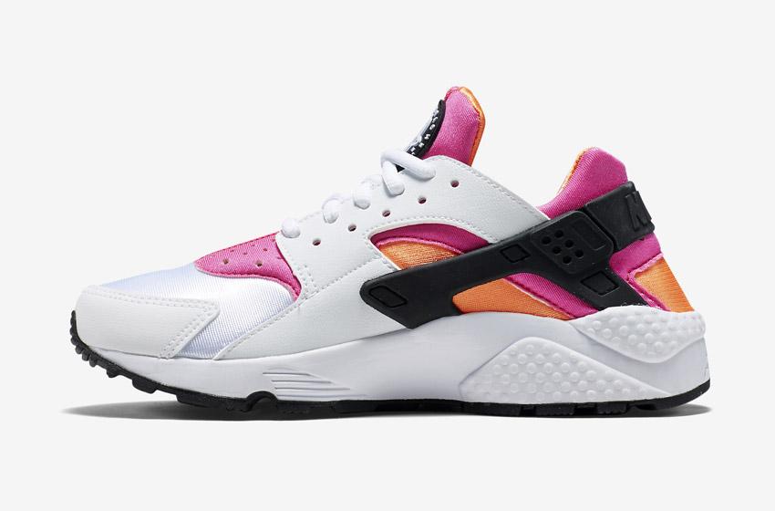 Nike Air Huarache – dámské sneakers, bílé boty (růžové a oranžové detaily), tenisky