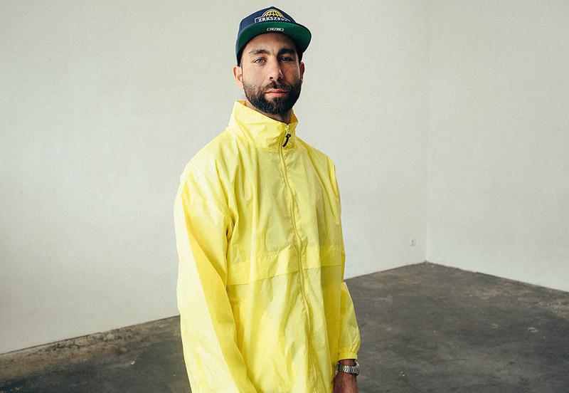 Zirkus Zirkus – žlutá šusťáková jarní bunda, větrovka s kapucí – oblečení – jaro/léto 2015