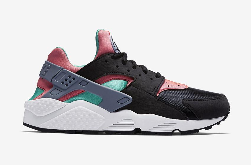 Nike Air Huarache – černé dámské boty, červené a zelené detaily, tenisky