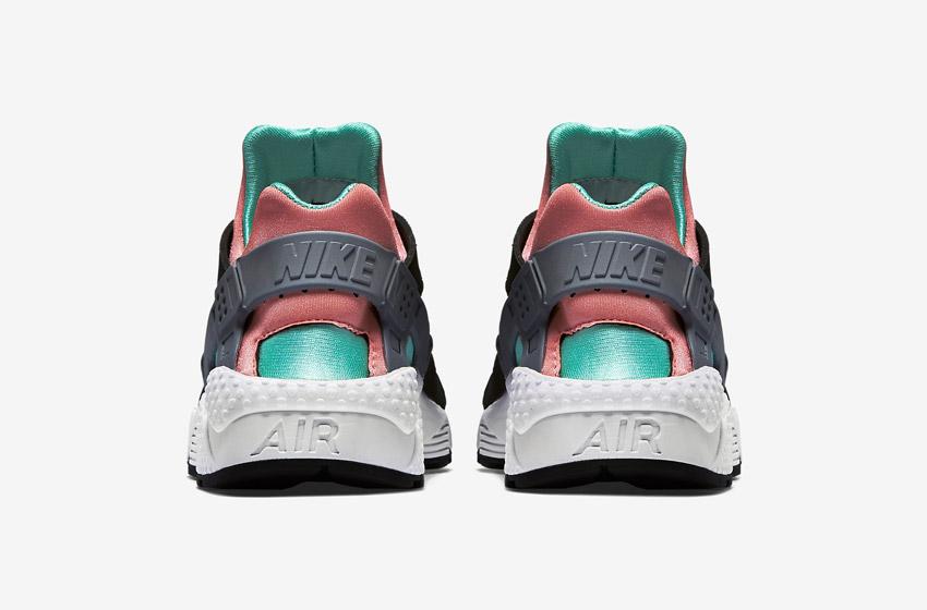 Nike Air Huarache – černé, oranžové a růžové detaily – zadní pohled