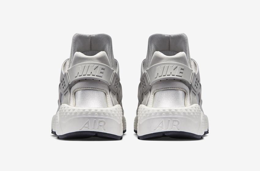 Nike Air Huarache – šedé, zadní pohled