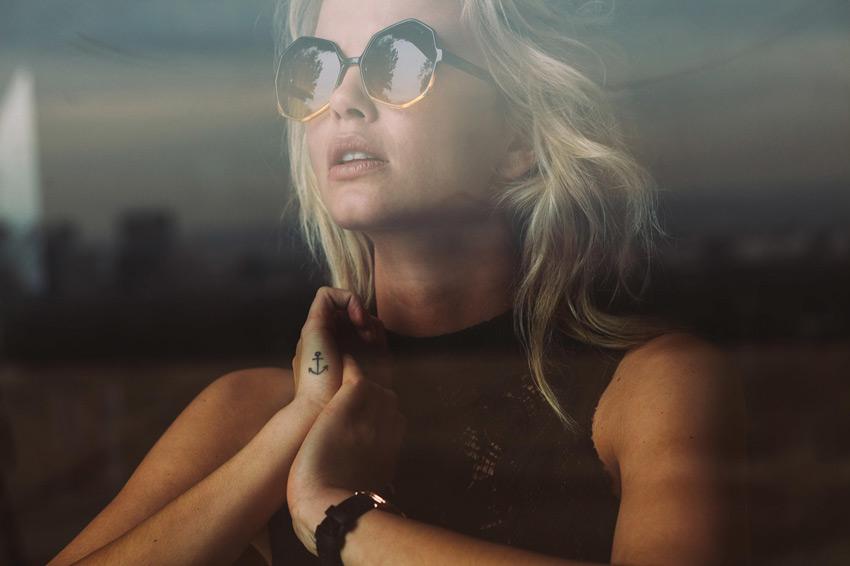 Komono – dámské sluneční brýle Bonnie, mnohoúhelníkové, moderní – lookbook jaro/léto 2015