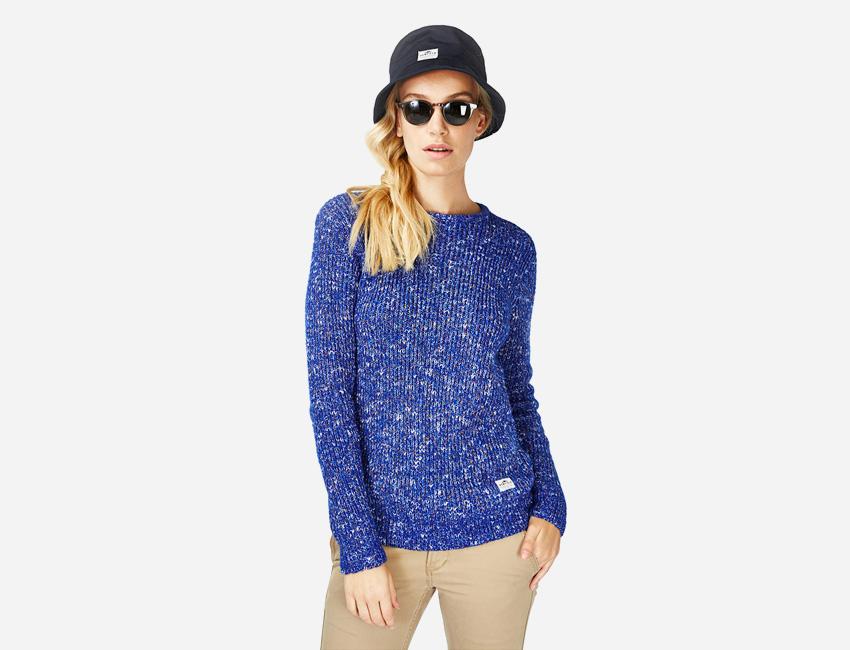 Penfield – modrý svetr – dámský, černý klobouk – dámské oblečení – jaro/léto 2015