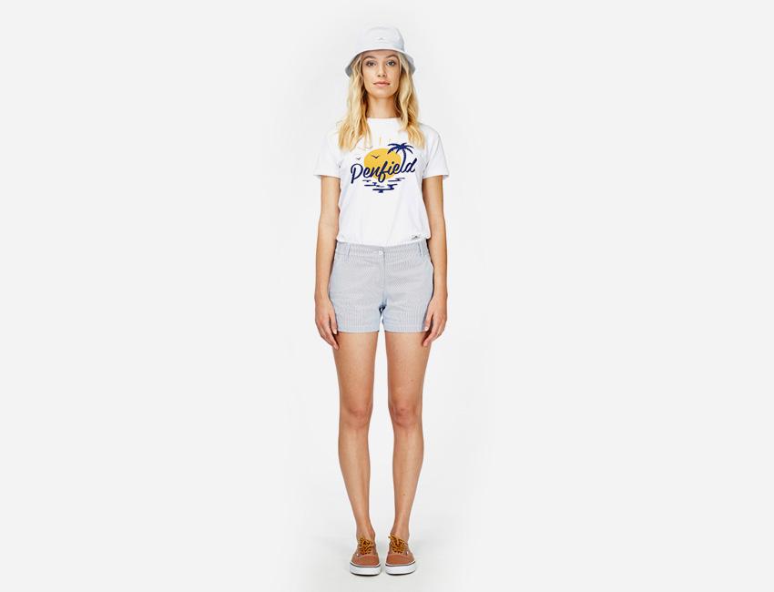 Penfield – bílé tričko s potiskem, šedé kraťasy (šortky) – dámské oblečení – jaro/léto 2015