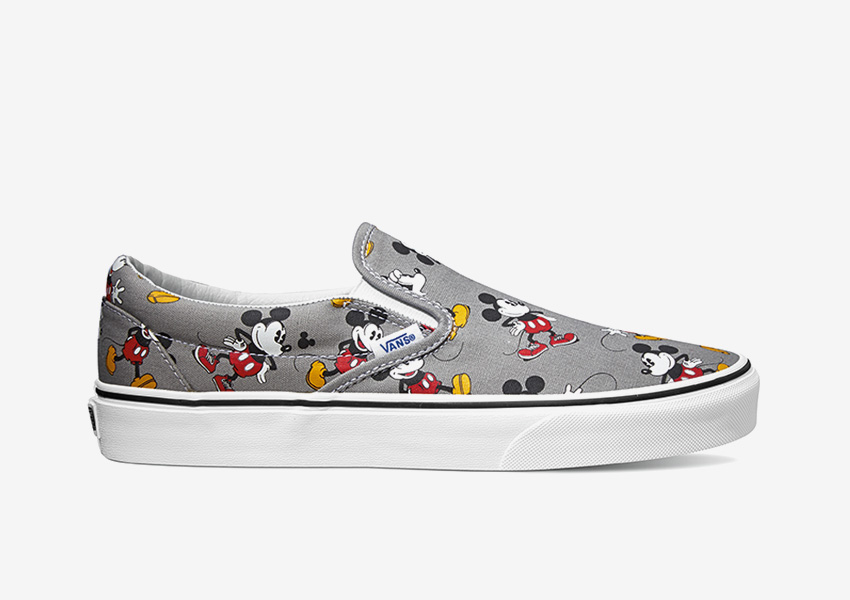 Vans x Disney – šedé tenisky Slip-On bez tkaniček