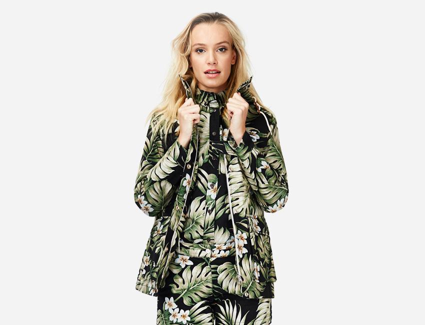 Penfield – dámská bunda s květinovým motivem, košile a kalhoty s květinovým motivem – dámské oblečení – jaro/léto 2015