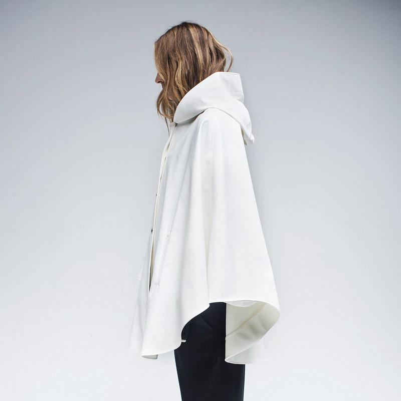 Stutterheim – pršiplášť s kapucí – dámský, pánský – bílý