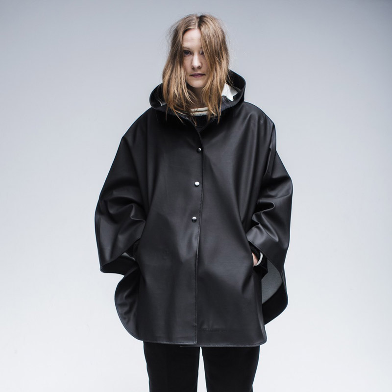 Stutterheim – pršiplášť s kapucí – dámský, pánský – černý