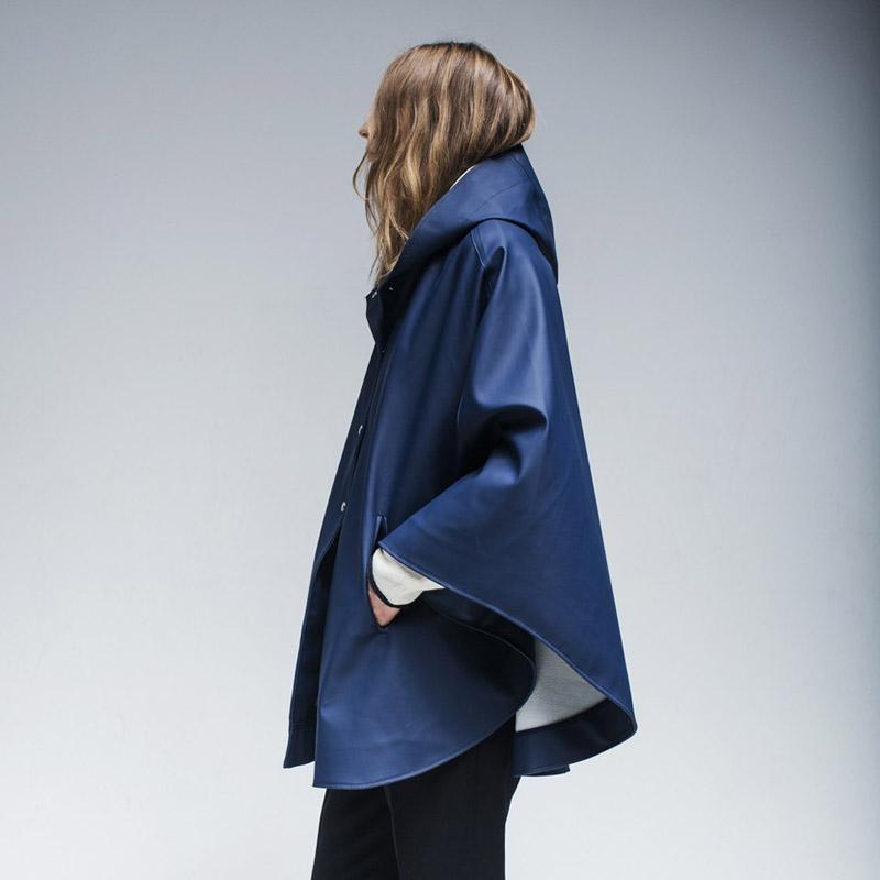 Stutterheim – plášť do deště s kapucí – dámský, pánský – modrý (námořnická modrá)