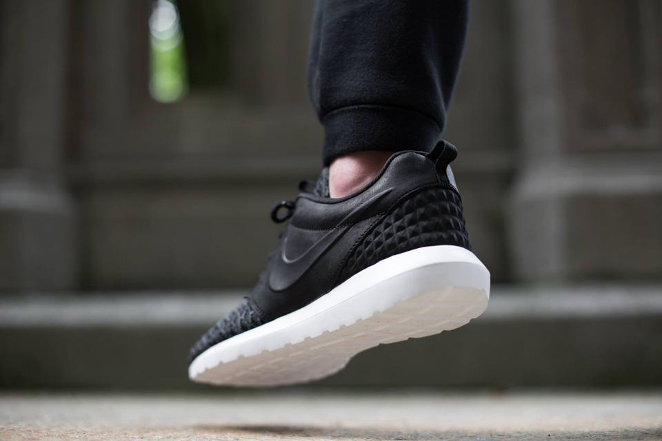 Nike Roshe One NM Flyknit Premium — černé boty, pánské a dámské sneakers, tenisky, Roshe Run, běžecké