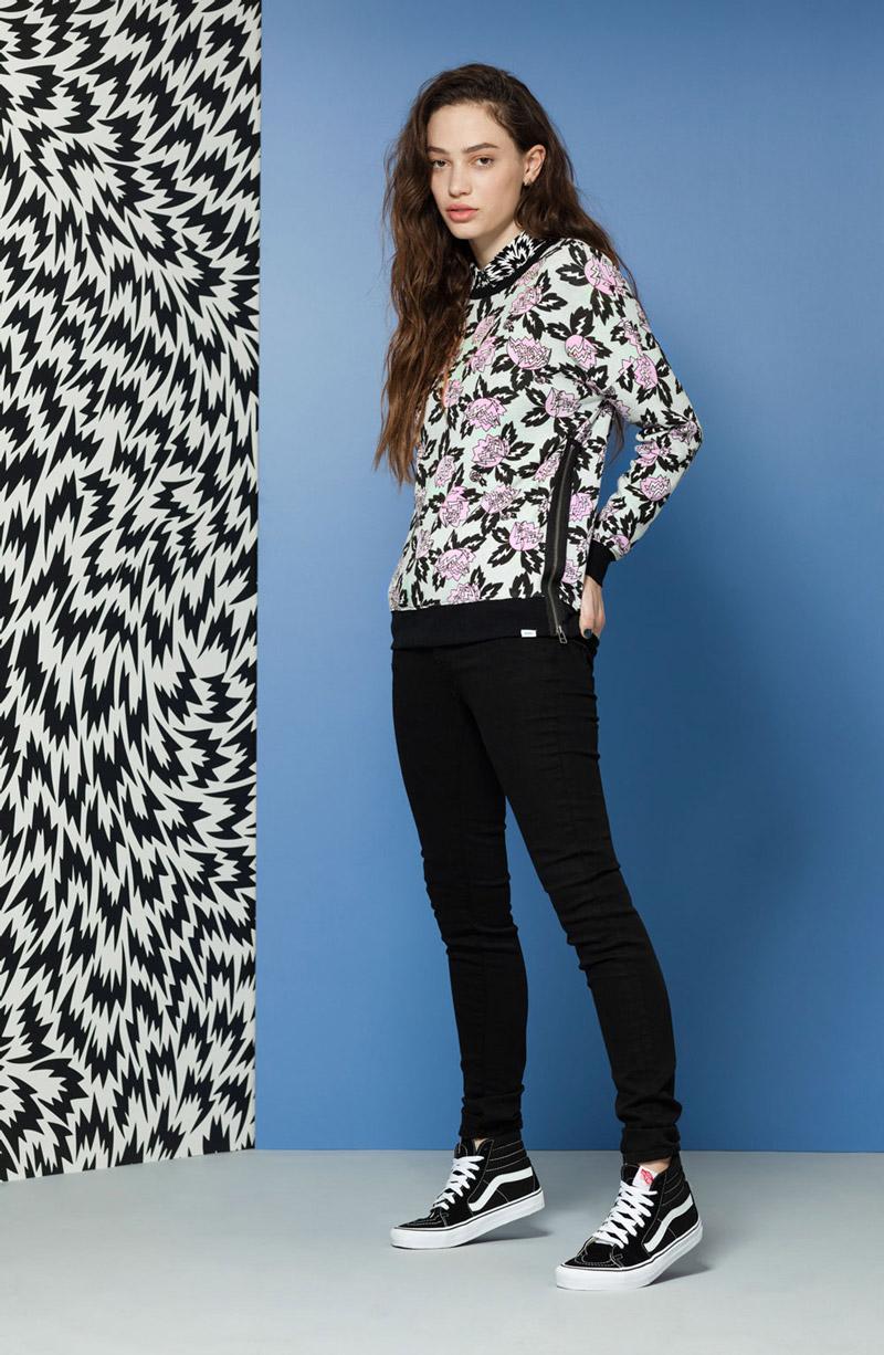 Vans x Eley Kishimoto — dámská mikina se zipem na boku, květinový vzor Magnolia — oblečení, boty a doplňky Living Art