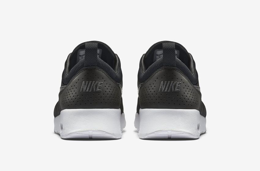 Nike Air Max Thea Premium Black — dámské boty — černé, kožené, tenisky, sneakers — zadní pohled