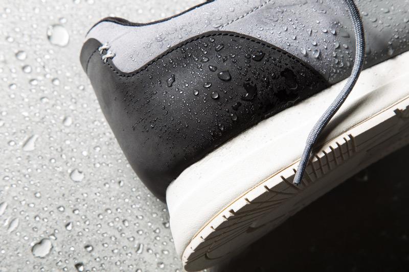 Akio — boty, šedé tenisky, dámské a pánské, detail, voděodolné, nepromokavé — The Orion — Rain City Pack