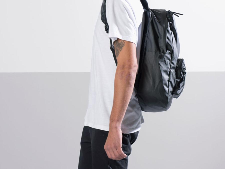 Herschel Supply Studio — batoh na záda, černý, stylový školní batoh, nepromokavý — Heritage Backpack