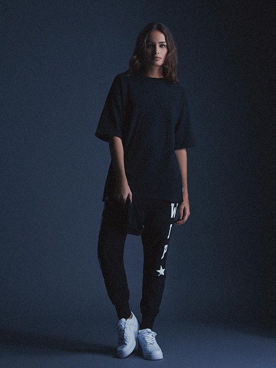 Carhartt WIP – černé tričko – dámské – delší rukávy, černé tepláky – podzim/zima 2015, dámské oblečení
