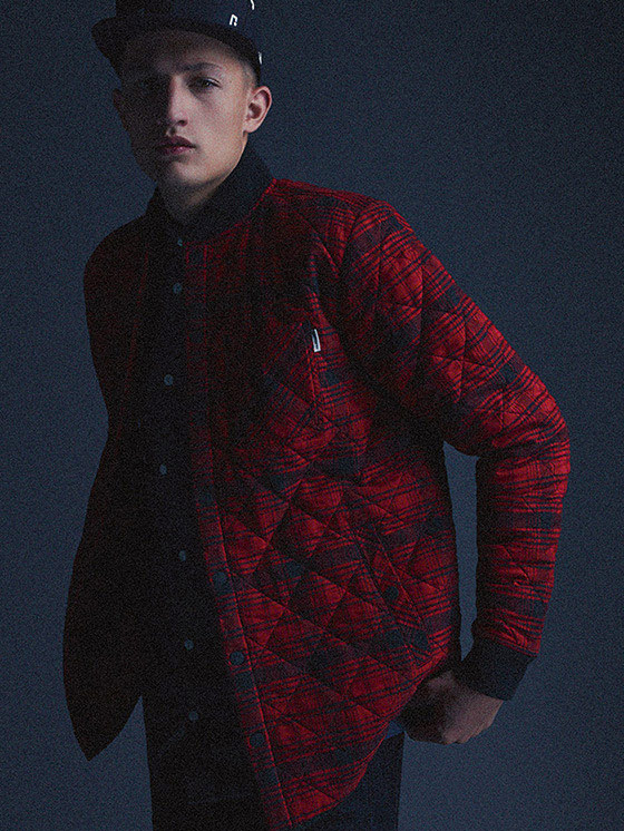 Carhartt WIP — červená podzímní/zimní bunda s geometrickým vzorem — podzim/zima 2015, pánské oblečení