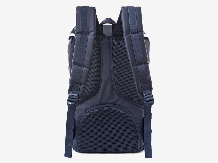 Batoh Herschel Supply & Liberty London – Little America Backpack – polstrovaná zadní strana s popruhy