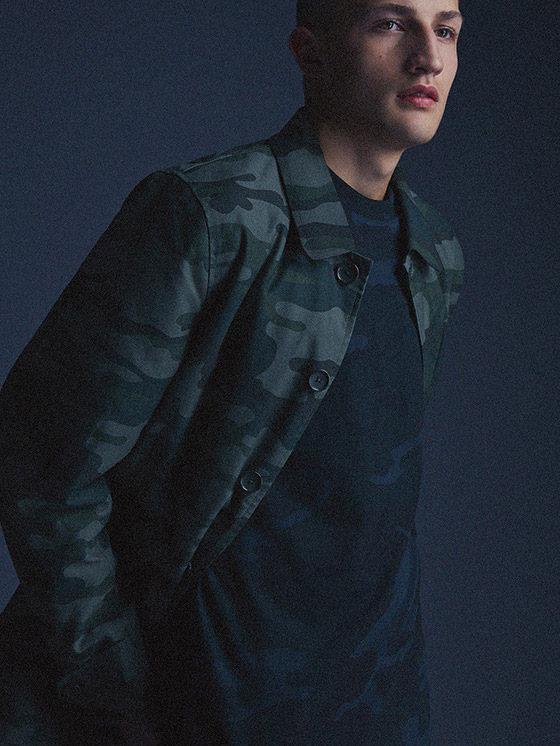 Carhartt WIP — pánská maskáčová bunda na knoflíky s límcem — podzim/zima 2015, pánské oblečení