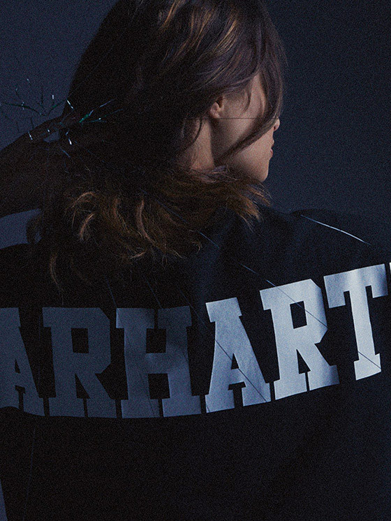 Carhartt WIP – dámská černá mikina s potiskem na zádech – podzim/zima 2015, dámské oblečení