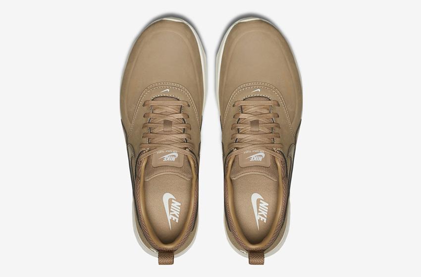 Nike Air Max Thea Premium Desert Brown — dámské boty — světle hnědé (pískové), kožené, tenisky, sneakers — horní pohled