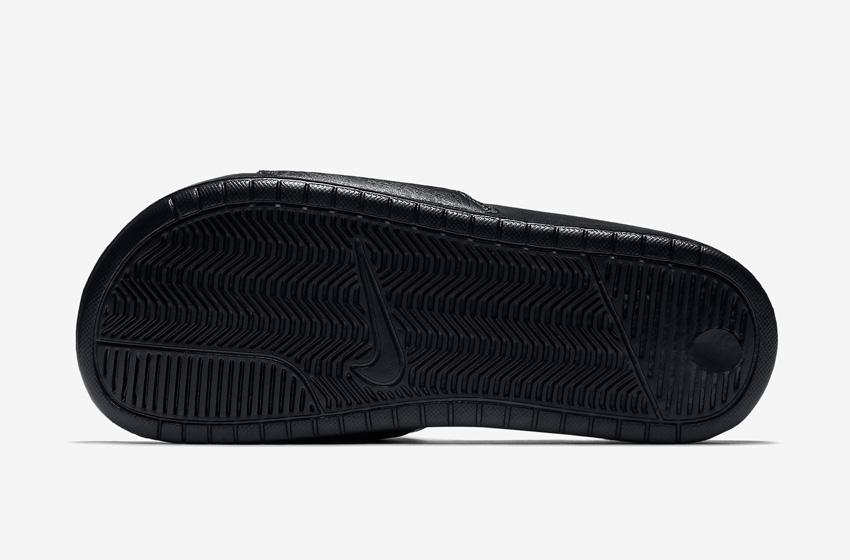 Nike Benassi Just Do It Print – dámské pantofle, letní nazouváky – černá podrážka