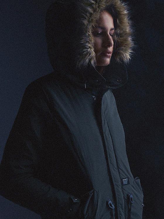 Carhartt WIP – dámská zimní bunda s kapucí s kožíškem – podzim/zima 2015, dámské oblečení