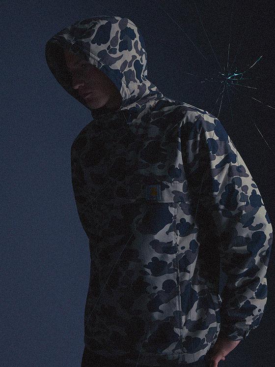 Carhartt WIP — maskáčová bunda s kapucí, pánská — podzim/zima 2015, pánské oblečení